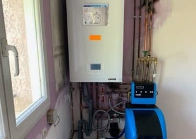 Installation d'une chaudière gaz et d'un adoucisseur sur l'Isle d'Abeau (38) – Printemps 2020